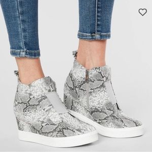 New! CCOCCI Zoey snakeskin wedge sneakers